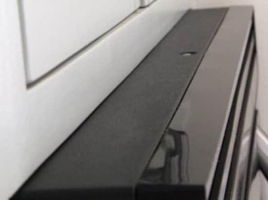 la meilleure astuce pour nettoyer les projections d 39 huile de cuisson. Black Bedroom Furniture Sets. Home Design Ideas