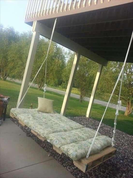 24 utilisations tonnantes de vieilles palettes en bois. Black Bedroom Furniture Sets. Home Design Ideas