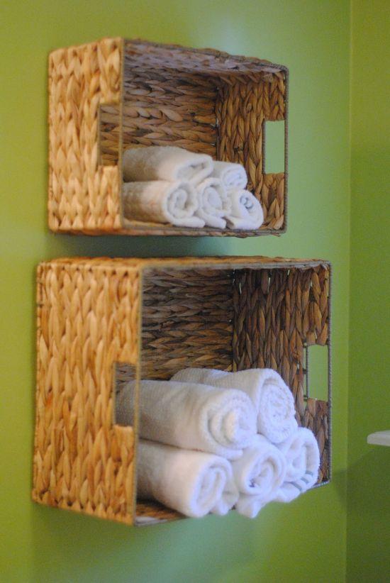 14 rangements astucieux pour votre salle de bain - Rangement serviette de bain ...