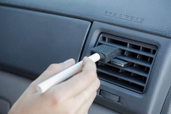 11 super astuces pour garder votre voiture propre et bien - Comment garder une vitre d insert propre ...