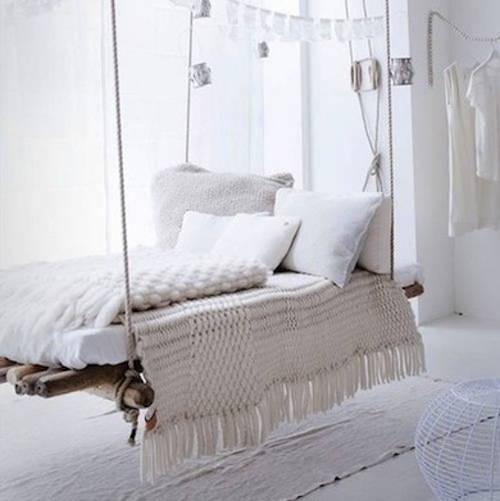 Faites de beaux r ves 14 lits ing nieux que vous pouvez faire vous m me - Lit suspendu plafond ...