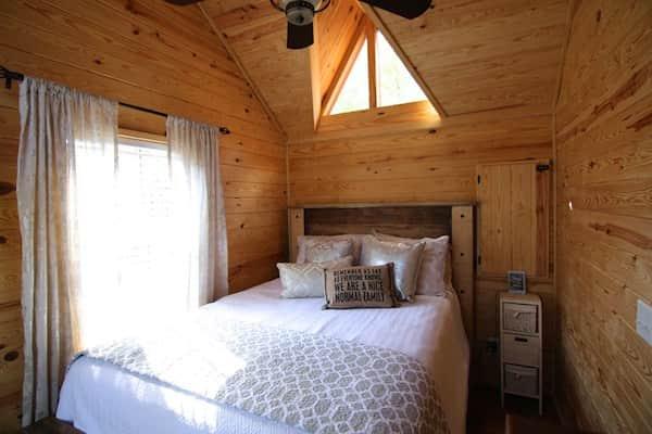 Cette maison sur roues est quip e tout confort et peut for Chambre a coucher entiere