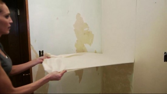 Le secret pour d coller le papier peint facilement - Decoller papier peint astuce ...