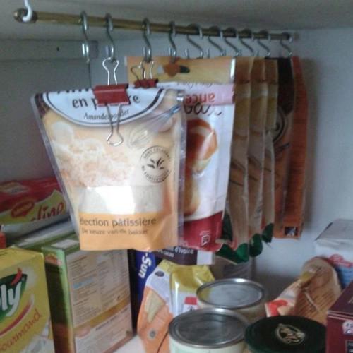 10 id es g niales et pas ch res pour mieux organiser votre - Ranger placard cuisine ...