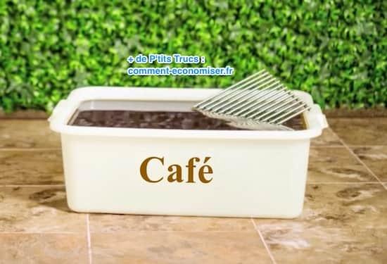 utilisez du caf pour nettoyer une grille de bbq tr s sale sans frotter. Black Bedroom Furniture Sets. Home Design Ideas