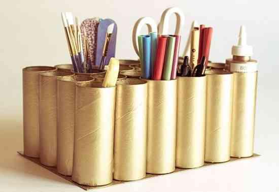 13 utilisations surprenantes des rouleaux de papier toilette for Bureau rouleau