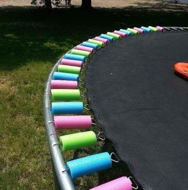 8 fa ons ing nieuses d 39 utiliser des frites en mousse - Protection trampoline ...