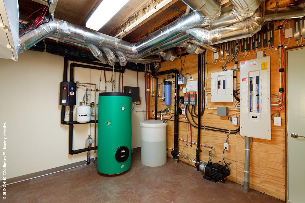 Installer un r cup rateur d 39 eau sur goutti re - Installation recuperateur d eau de pluie ...