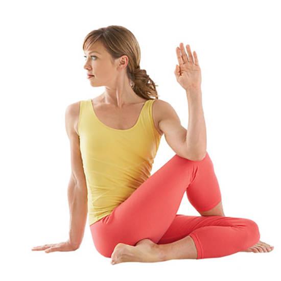 8 positions pour soulager la douleur d 39 une sciatique en for Douleur sur le cote exterieur du genou