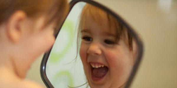 Les 10 rituels du matin qui vont changer votre vie for Se regarder dans le miroir