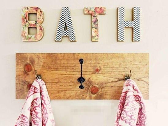 14 rangements astucieux pour votre salle de bain - Porte manteau mural salle de bain ...