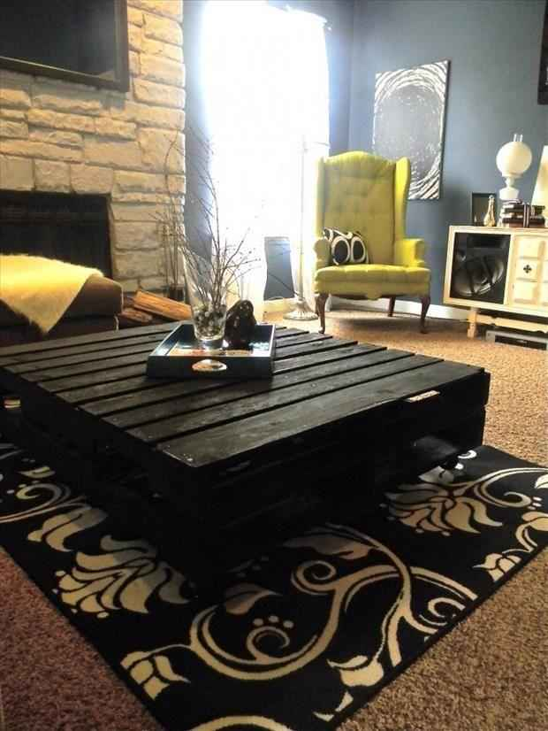 24 utilisations incroyables de vieilles palettes en bois Comment fabriquer fauteuil palette idees