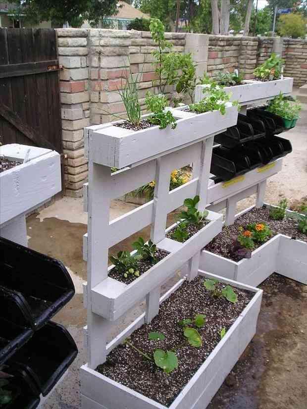24 utilisations incroyables de vieilles palettes en bois - Plan salon de jardin en palette ...